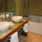 Hotel Mirador de Dalt Vila suite bathroom Ibiza